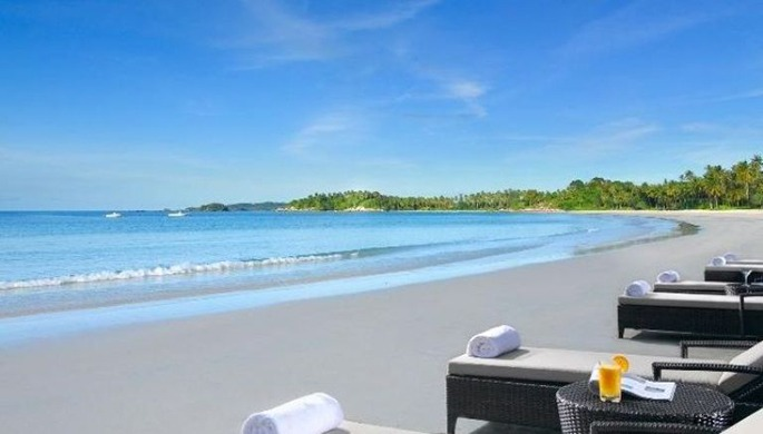 The beach in Angsana Spa & Resort Bintan