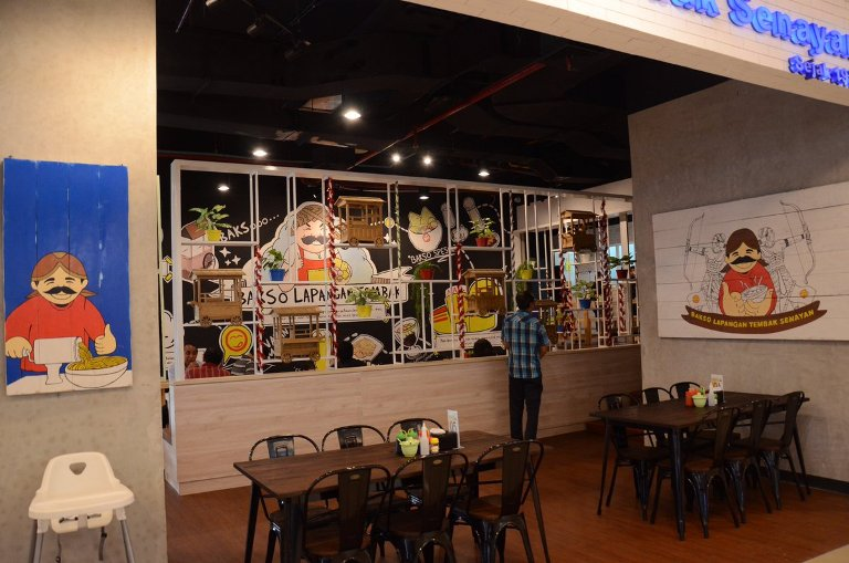 Bakso Lapangan Tembak Tangcity, a Cool Place with Delicious Meatballs