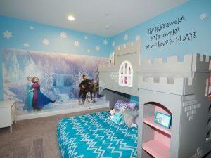 dekorasi kamar anak dengan mural frozen