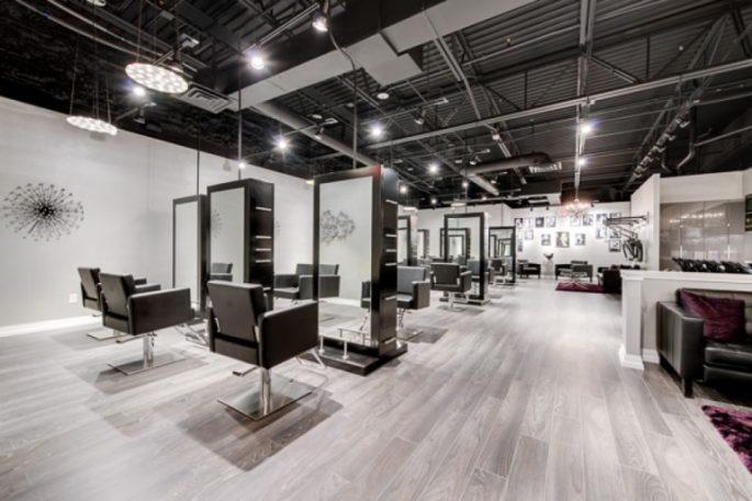 Dekorasi Salon dan Barbershop Menggunakan Mural Dan Stiker. Keren !