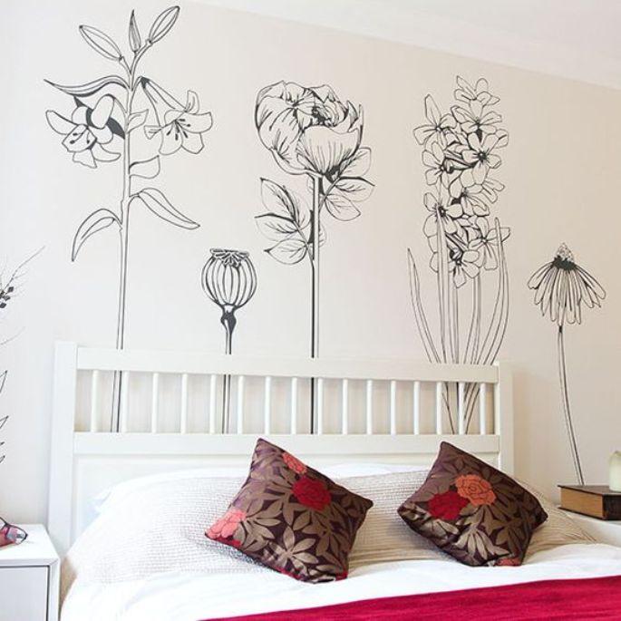 mural hitam putih dengan motif bunga 4
