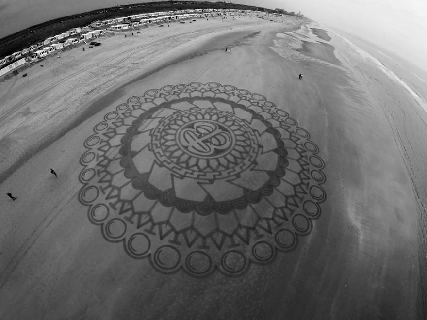 lukisan pasir 11