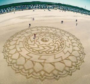lukisan pasir 5