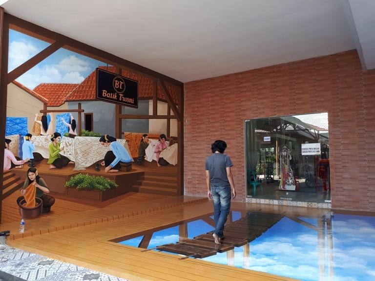 Projek Jasa Mural Cirebon, Mural Restoran dan Mural 3D Kain Batik Yang Unik