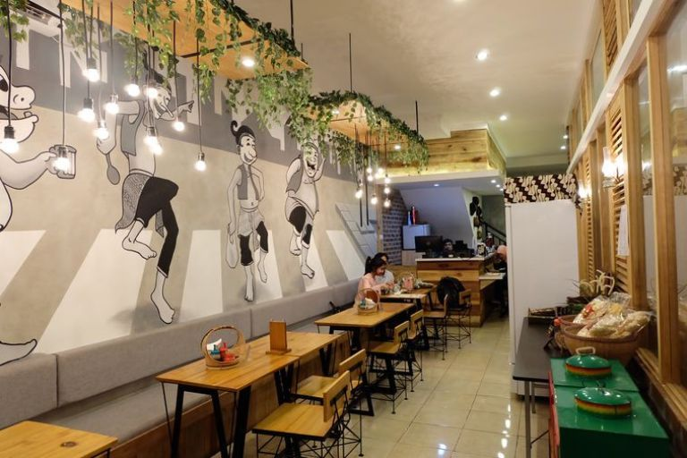 Black and White Mural to Make Your Cafe and Restaurant Look Elegant and Simple